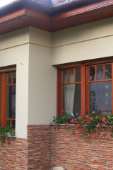 demeny-fa-ajto-ablak-nyilaszaro-csaladi-haz-155