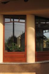 demeny-fa-ajto-ablak-nyilaszaro-csaladi-haz-167
