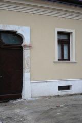demeny-fa-ajto-ablak-nyilaszaro-csaladi-haz-185