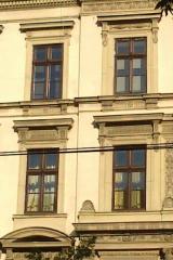 demeny-fa-ajto-ablak-nyilaszaro-csaladi-haz-203