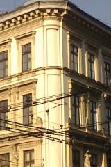 demeny-fa-ajto-ablak-nyilaszaro-csaladi-haz-205