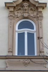 demeny-fa-ajto-ablak-nyilaszaro-csaladi-haz-226