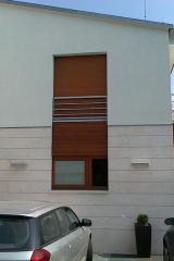 demeny-fa-ajto-ablak-nyilaszaro-csaladi-haz-252