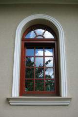 demeny-fa-ajto-ablak-nyilaszaro-csaladi-haz-88