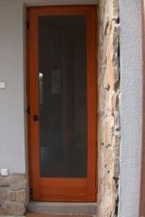 demeny-fa-ajto-ablak-nyilaszaro-csaladi-haz-110