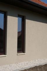 demeny-fa-ajto-ablak-nyilaszaro-csaladi-haz-119