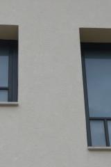demeny-fa-ajto-ablak-nyilaszaro-csaladi-haz-125