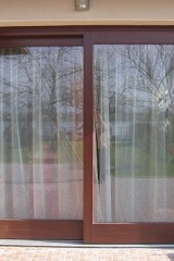 demeny-fa-ajto-ablak-nyilaszaro-csaladi-haz-26