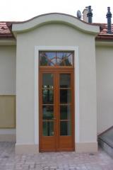 demeny-fa-ajto-ablak-nyilaszaro-csaladi-haz-58
